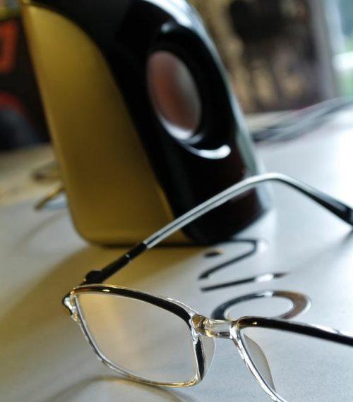 eyeglasses-eyewear-laptop-macro-1479521-pxhere.com